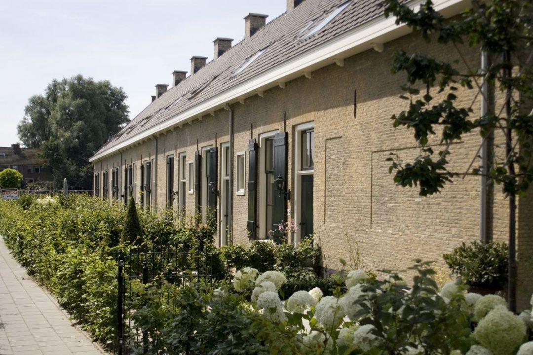 Restauratie 19 woningen Alblasserdam