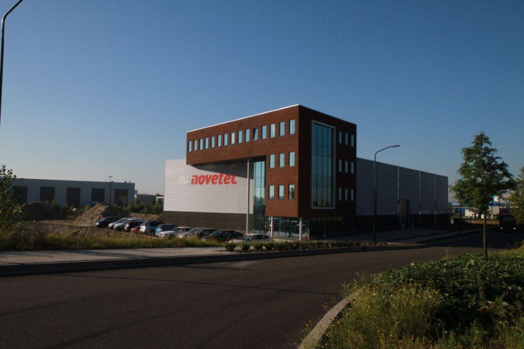 Nieuwbouw kantoor en hal Alblasserdam